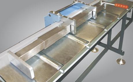 Metallkraft Erweiterung des Rollen- und Messbahnsystems MRB Standard für effektiveres und zeitsparendes Arbeiten Gefederter Anschlagarm SZ 05